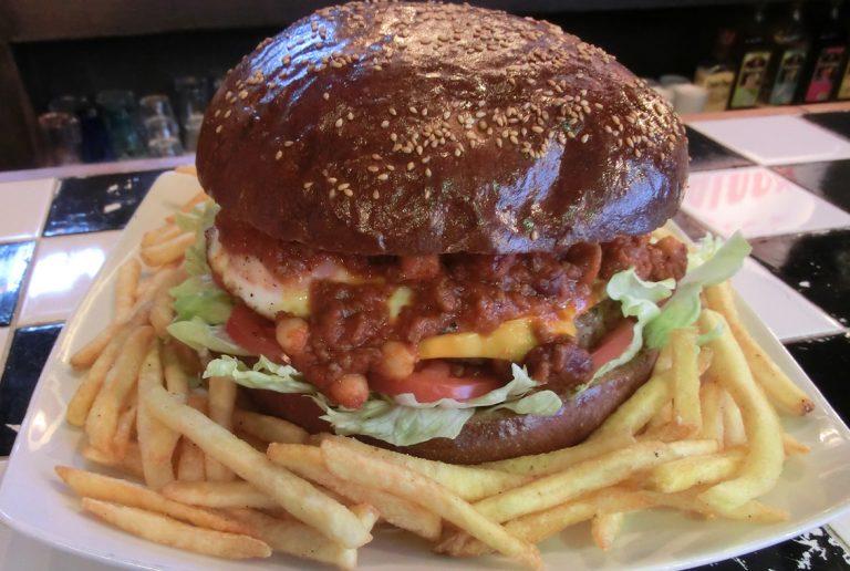 チリチーズビッグバーガー