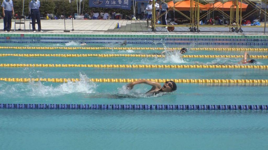拍手でエール!上越中学校合同新人水泳大会   ニュース