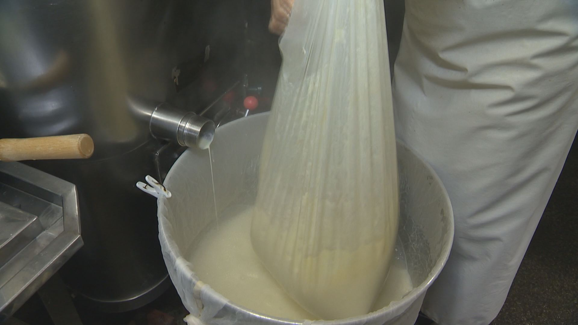 豆乳とおからに分ける